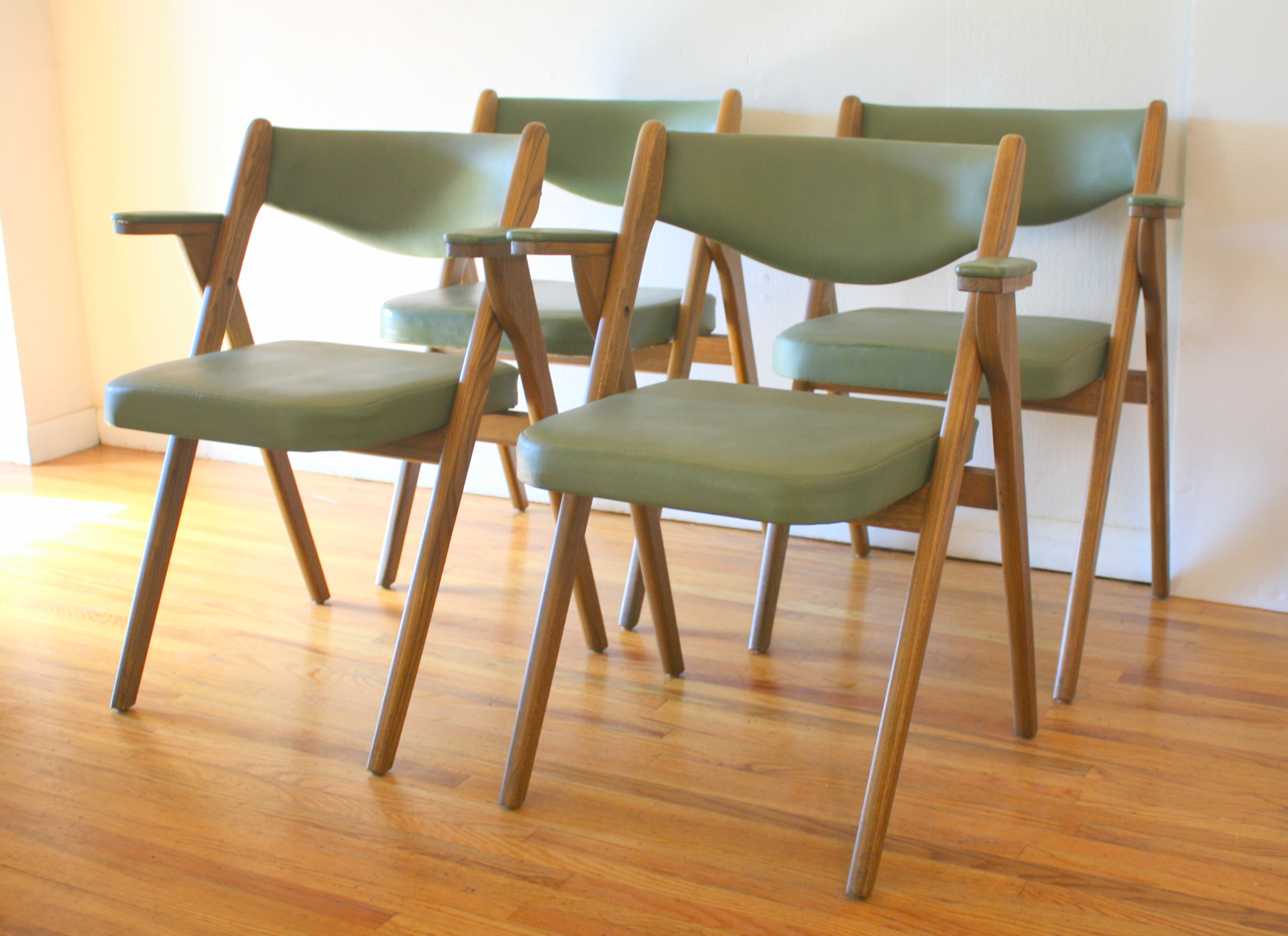 Mid Century Modern Avocado Folding Chairs By Coronet