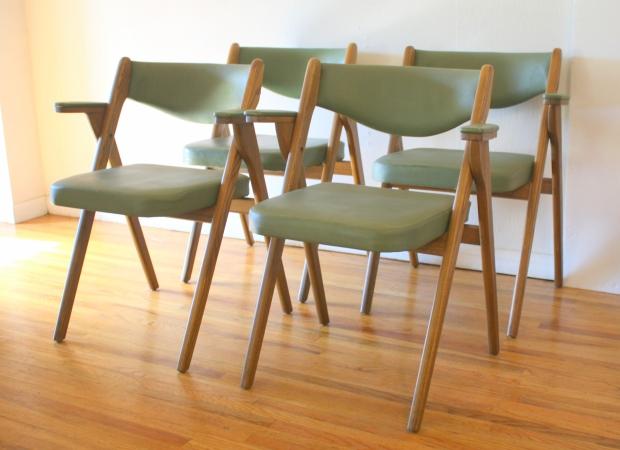 Coronet avocado folding chairs 2.JPG