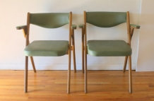 Coronet avocado folding chairs 3