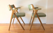 Coronet avocado folding chairs 4