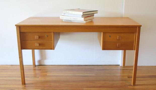 Domino Mobler desk 1.JPG