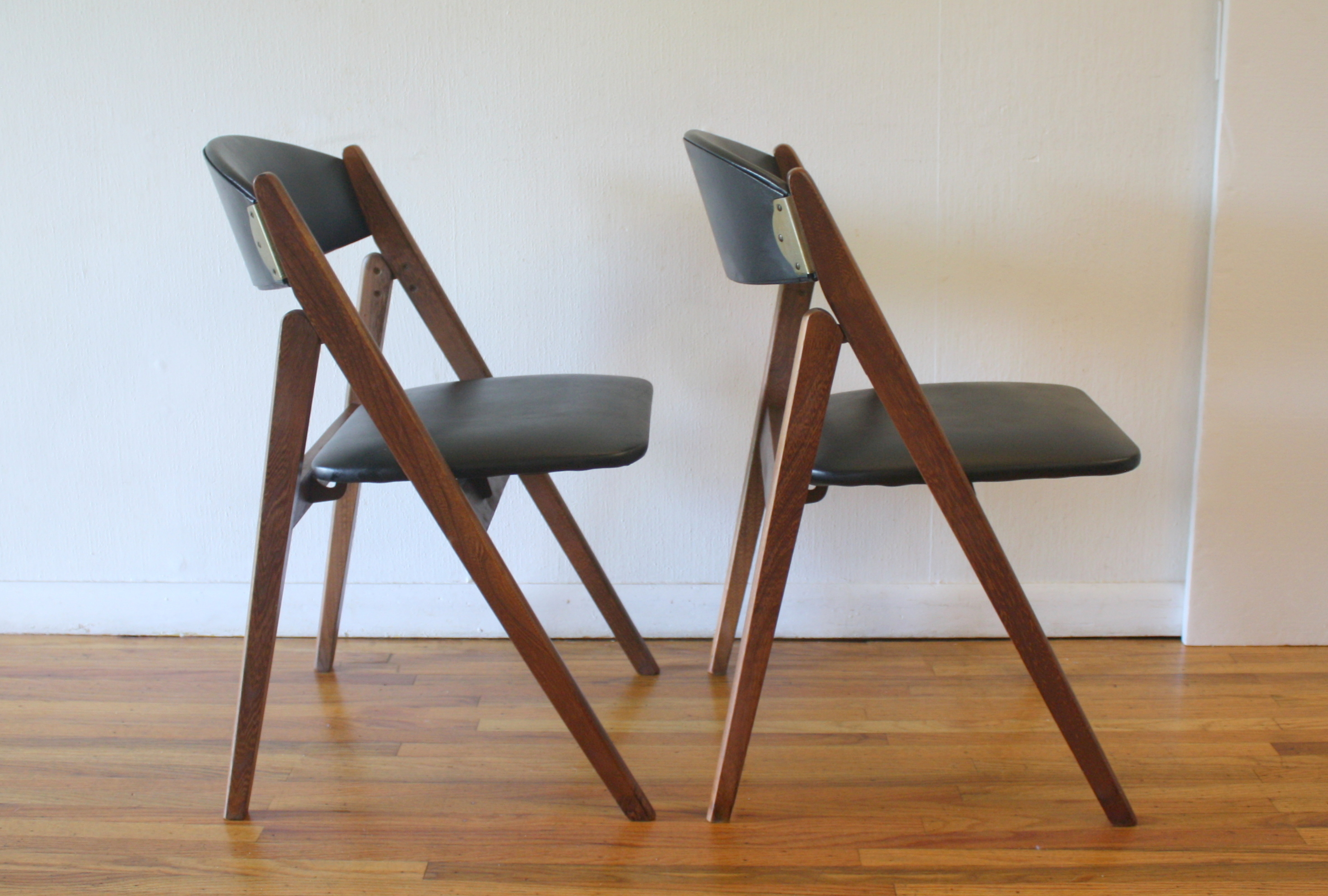 mcm pair of folding chairs 1
