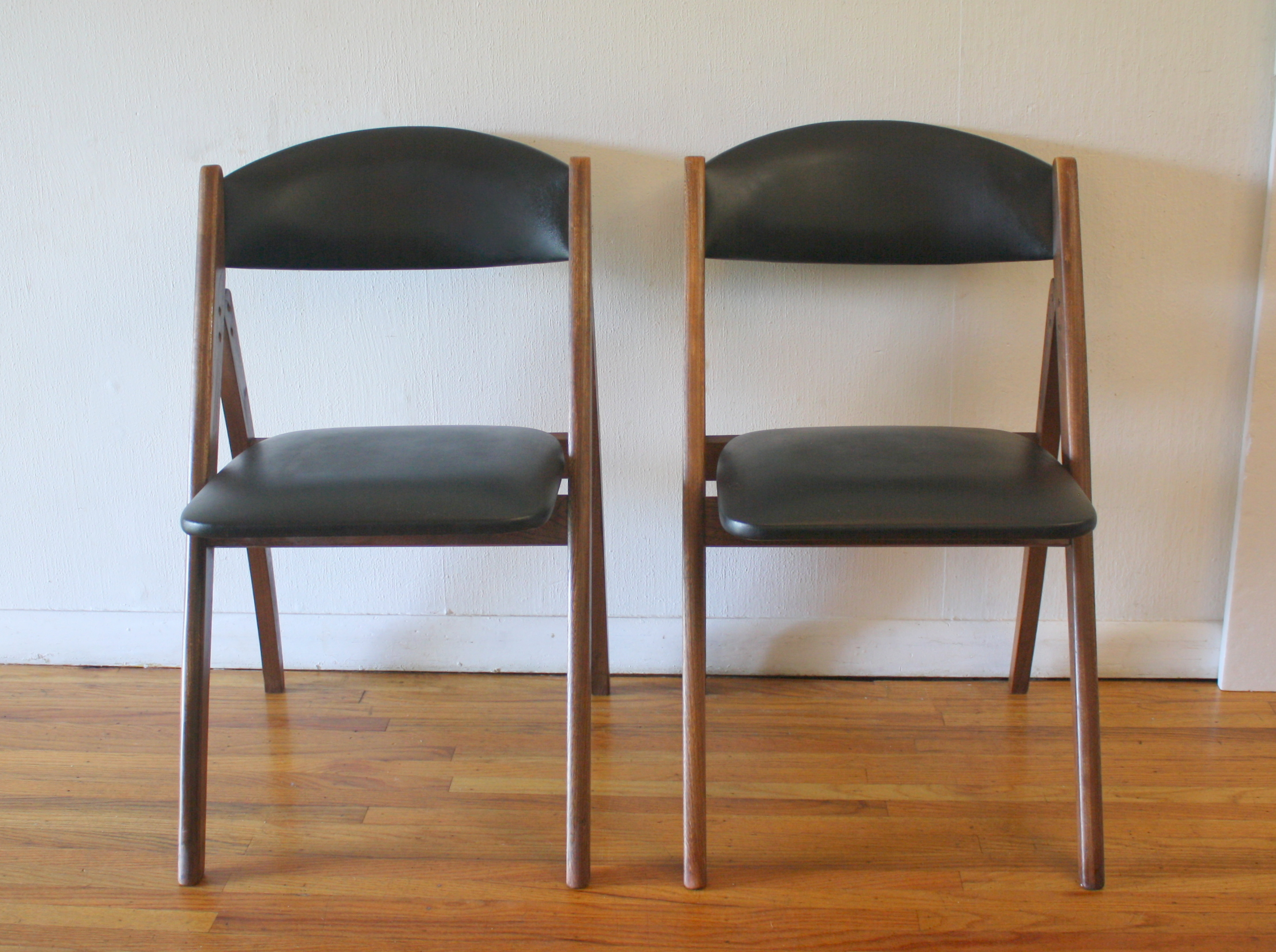 mcm pair of folding chairs 2