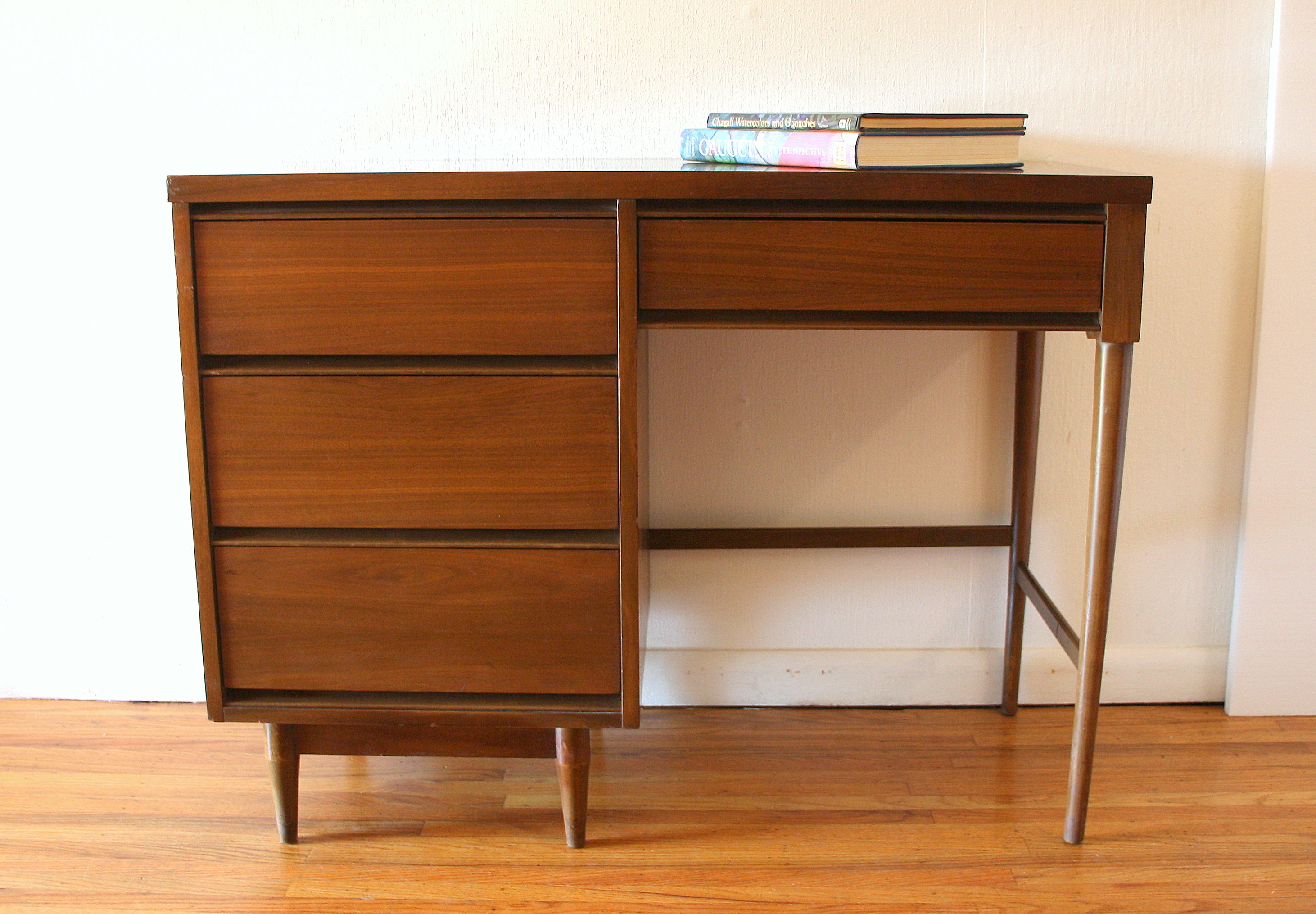Mcm streamlined desk 1