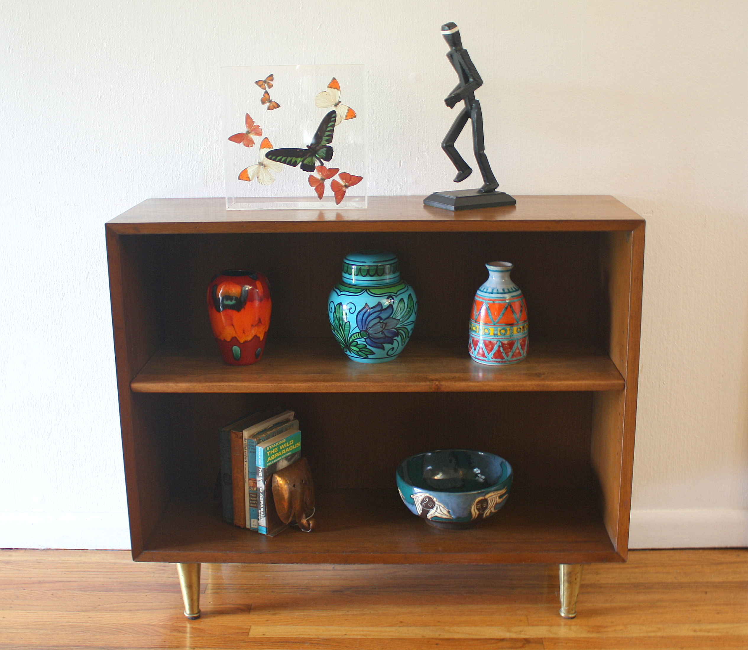 Mcm bookshelf with brass legs 3.JPG