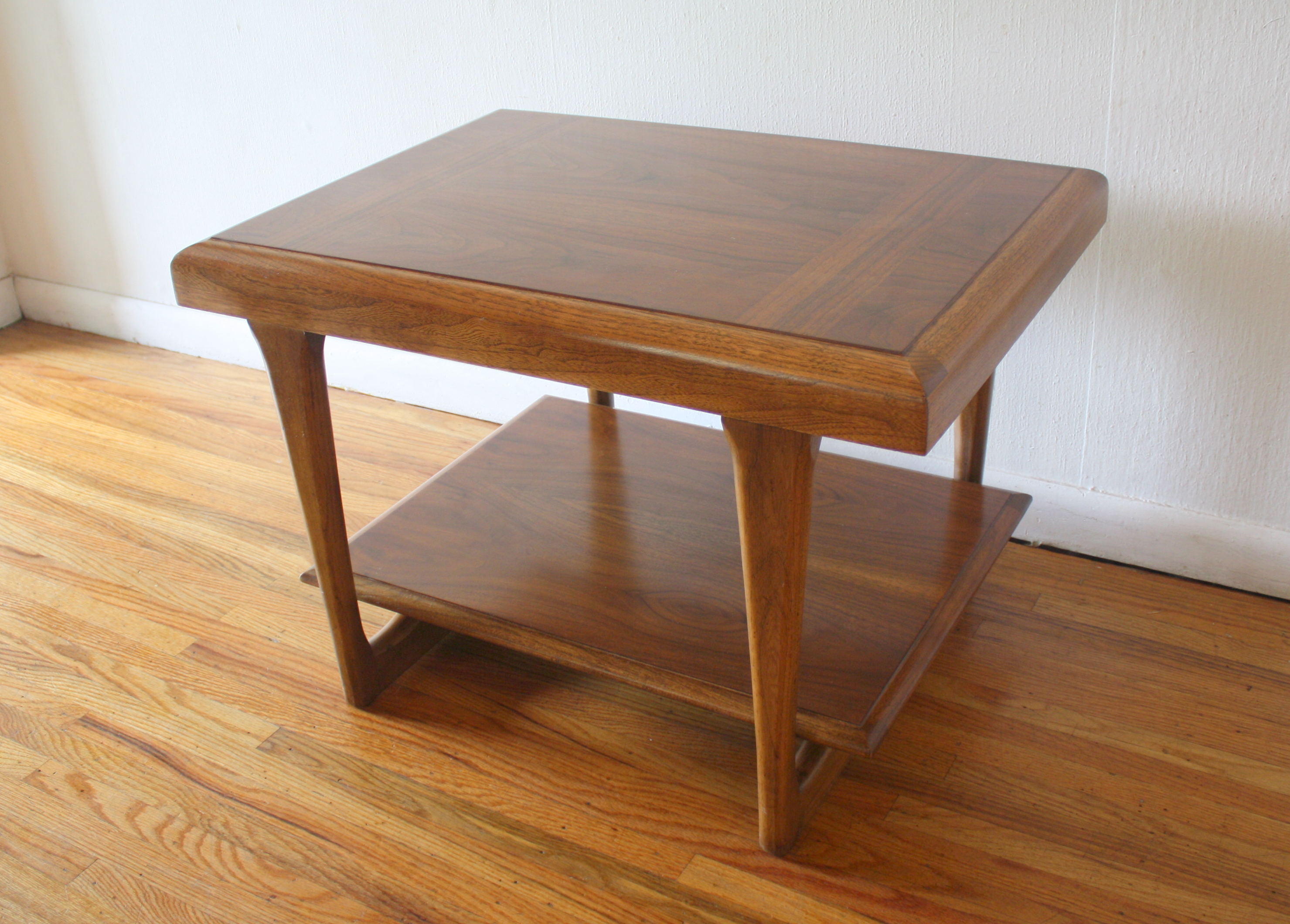 Lane sculpted base side table 3.JPG
