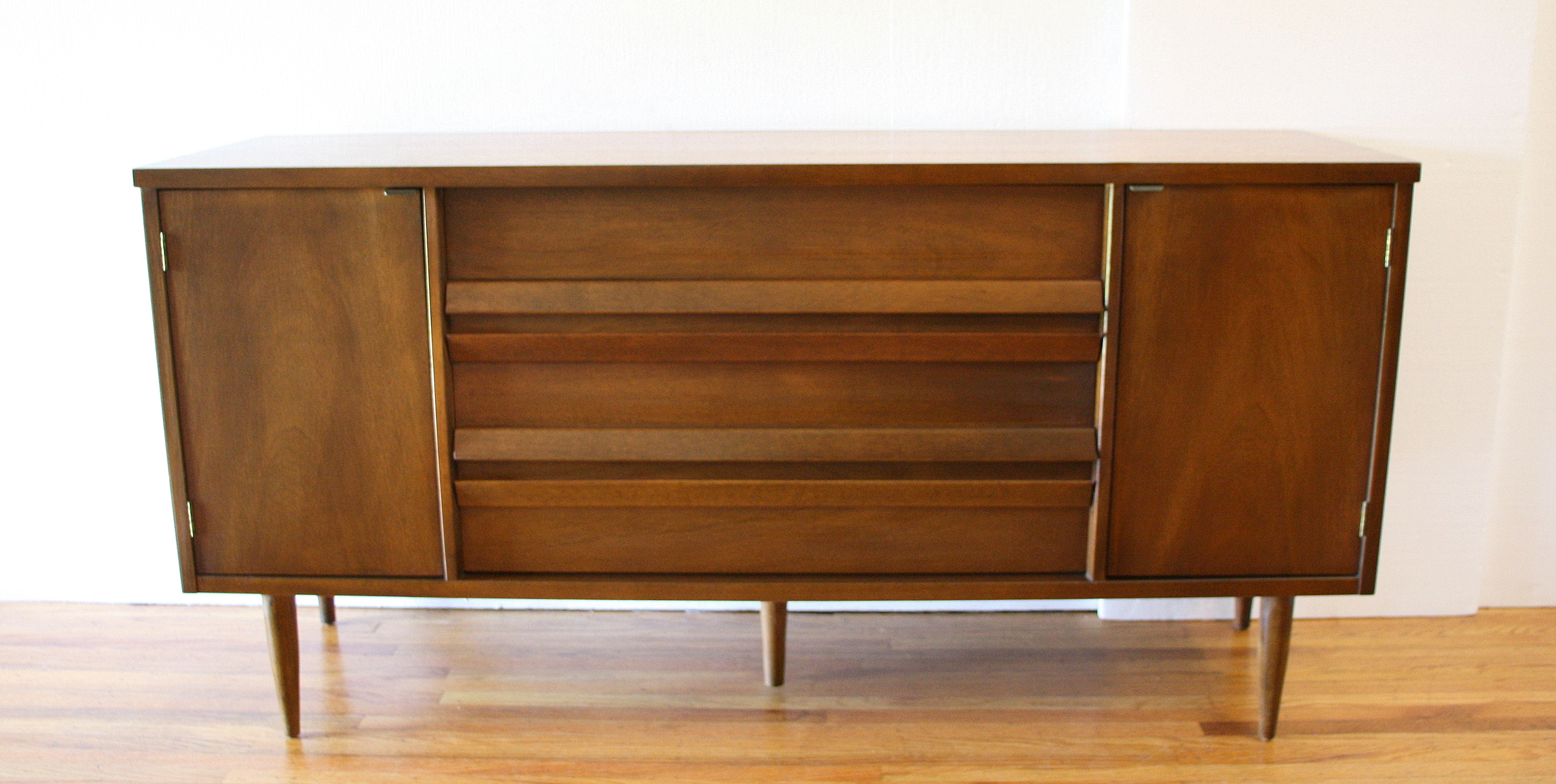 Bassett dual cabinet credenza angled pulls 2.JPG
