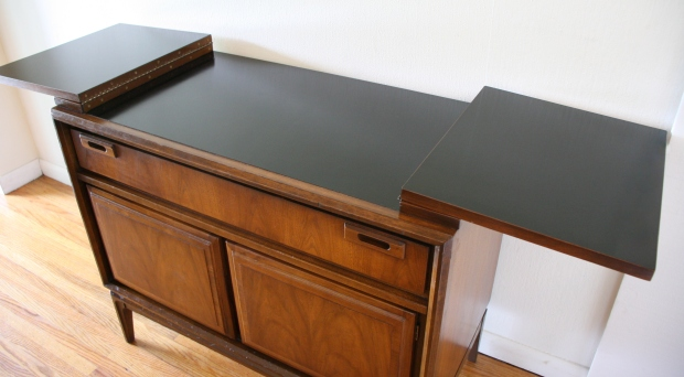 Mcm credenza with extension leaves 3