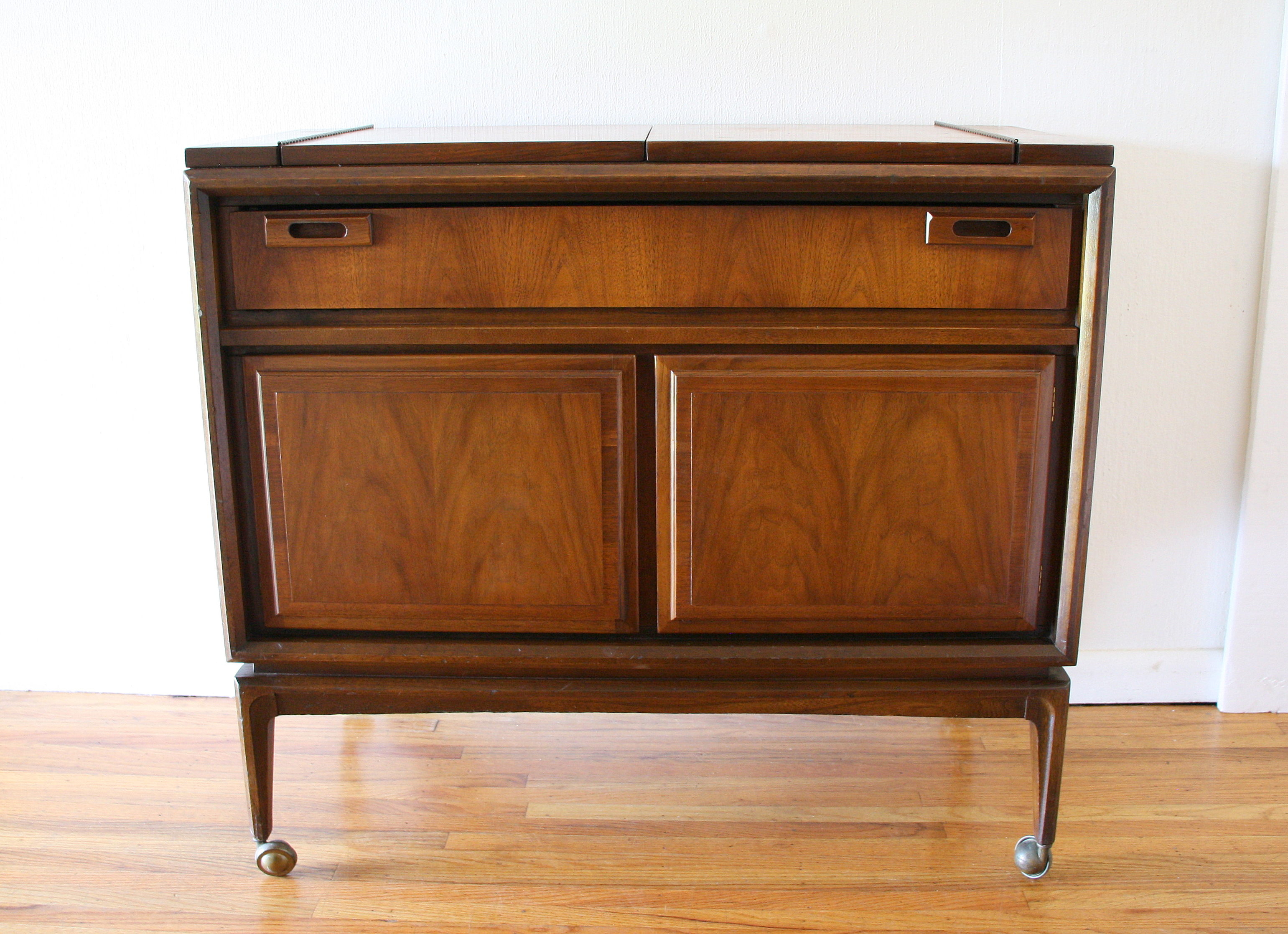 Mcm credenza with extension leaves 6