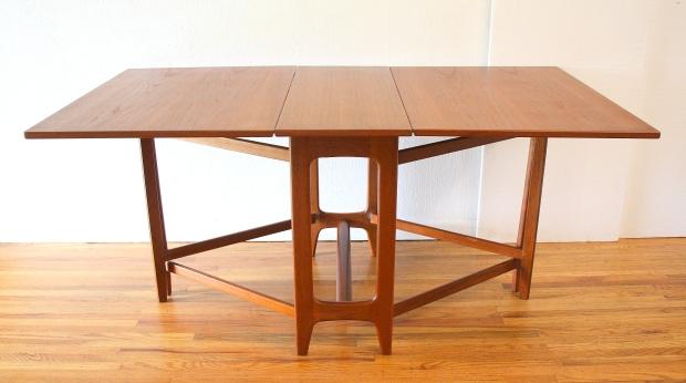 Norwegian gateleg table 1