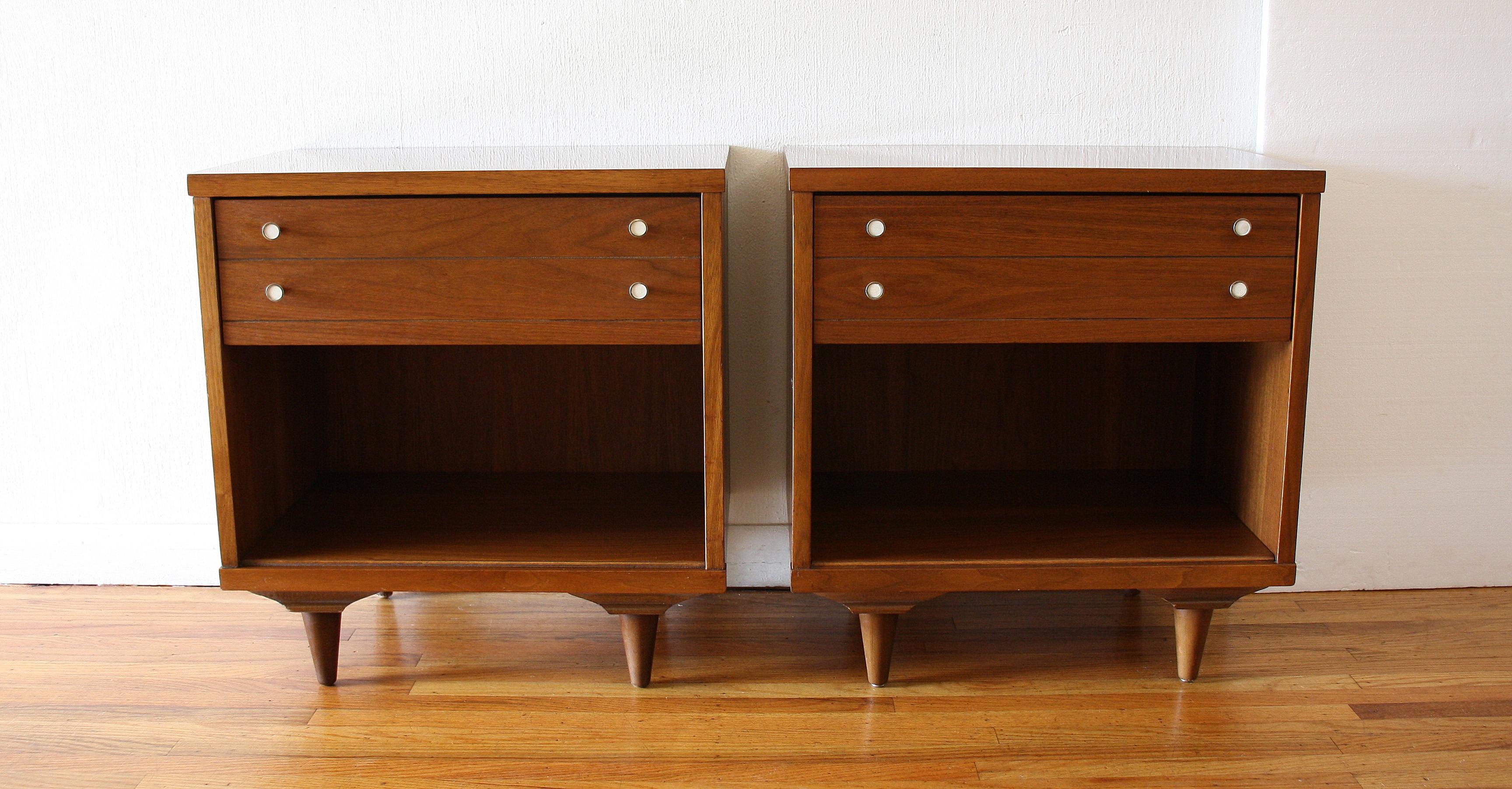 Johnson carper pair of nightstands white knobs 1