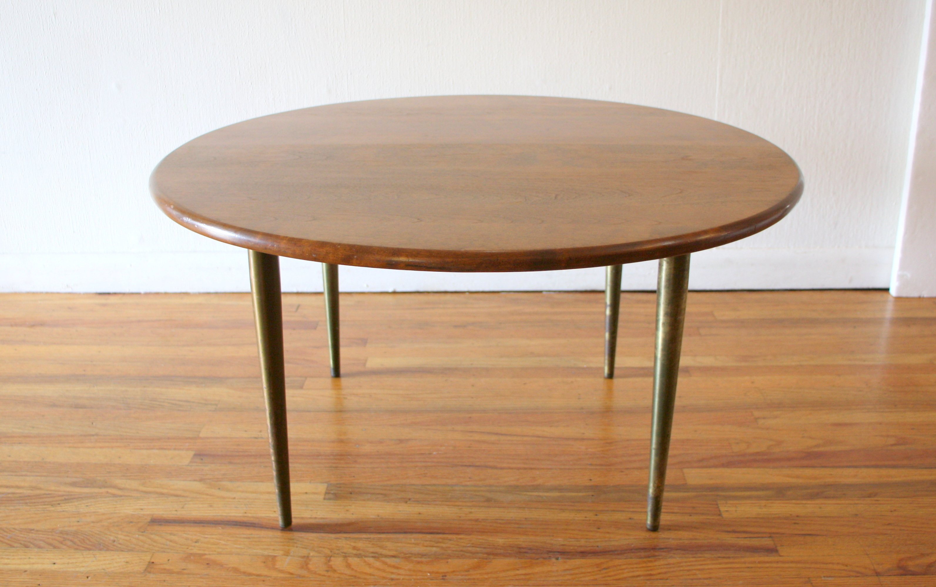 Conant Ball round coffee table 2