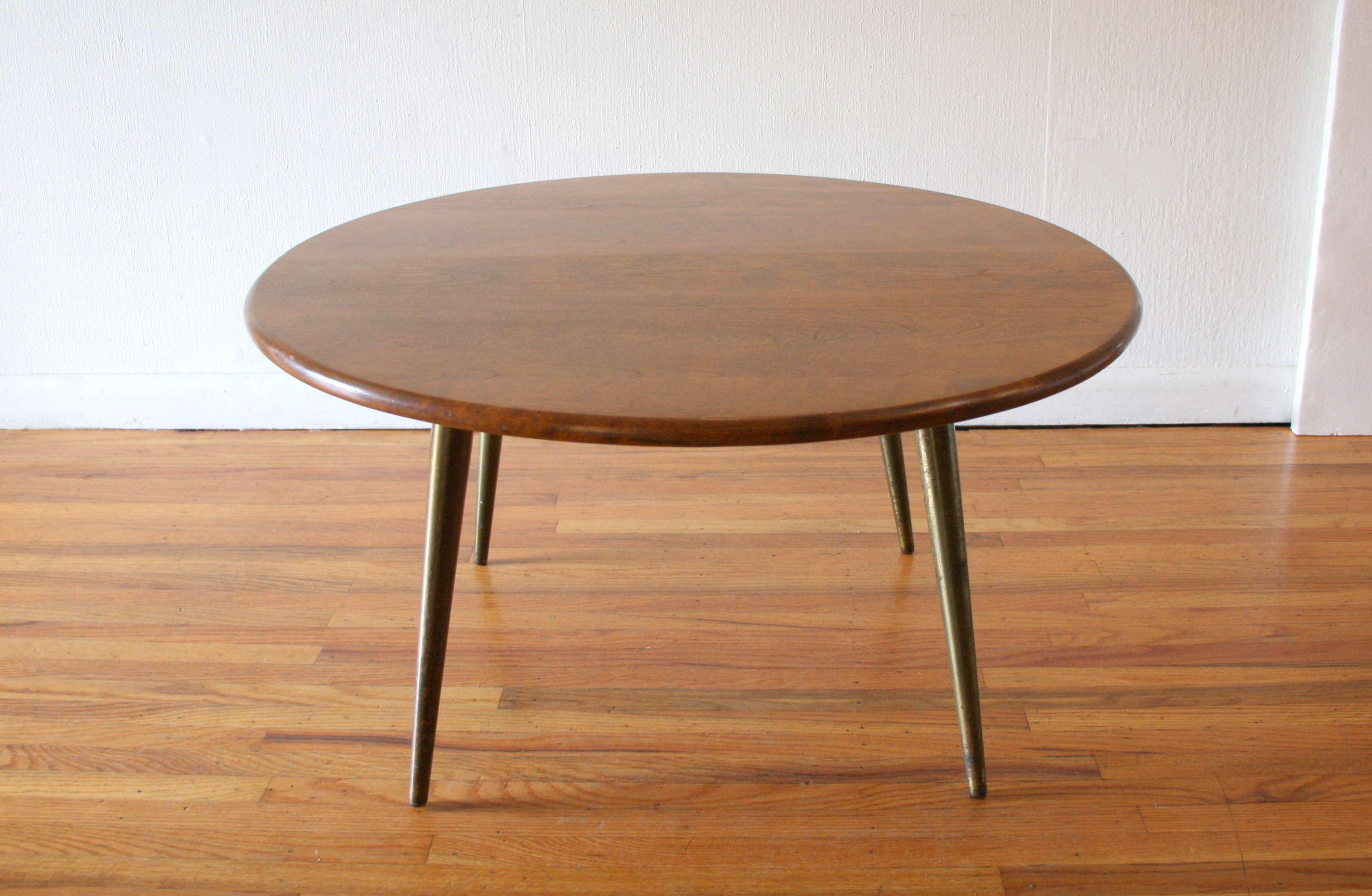 Conant Ball round coffee table 4