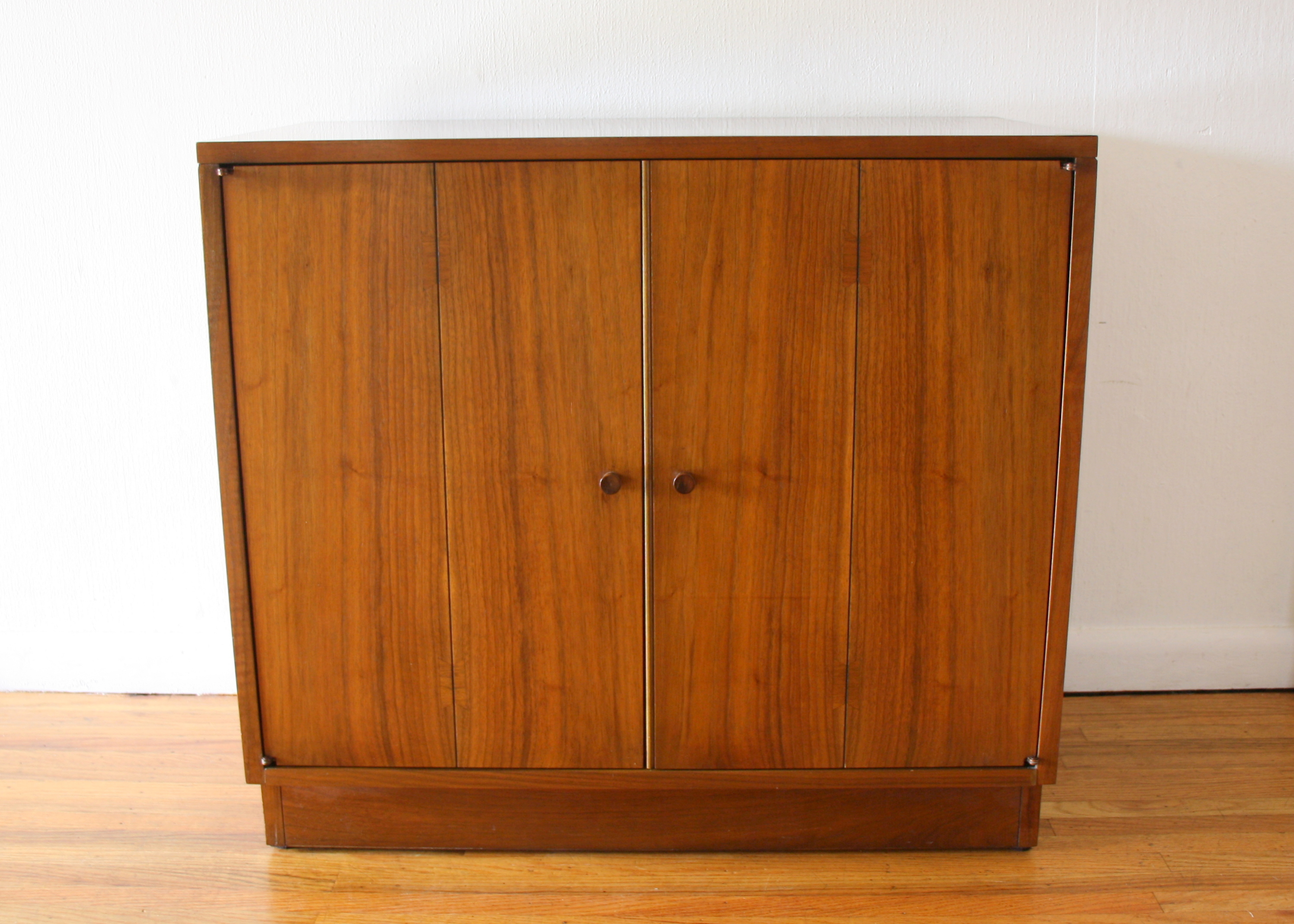 Lane Acclaim cabinet 1