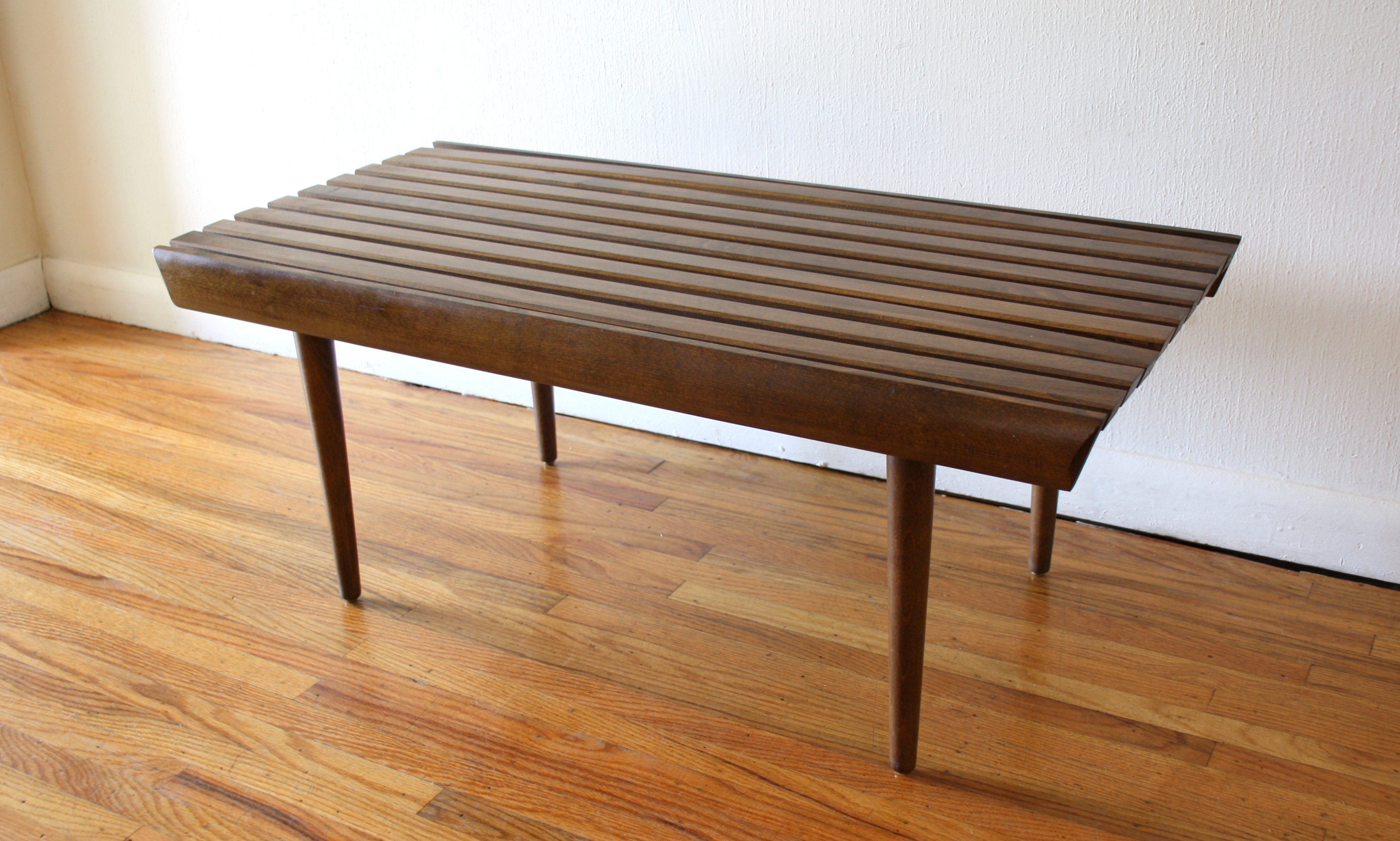 Mcm 36 slatted bench with finished curve 3
