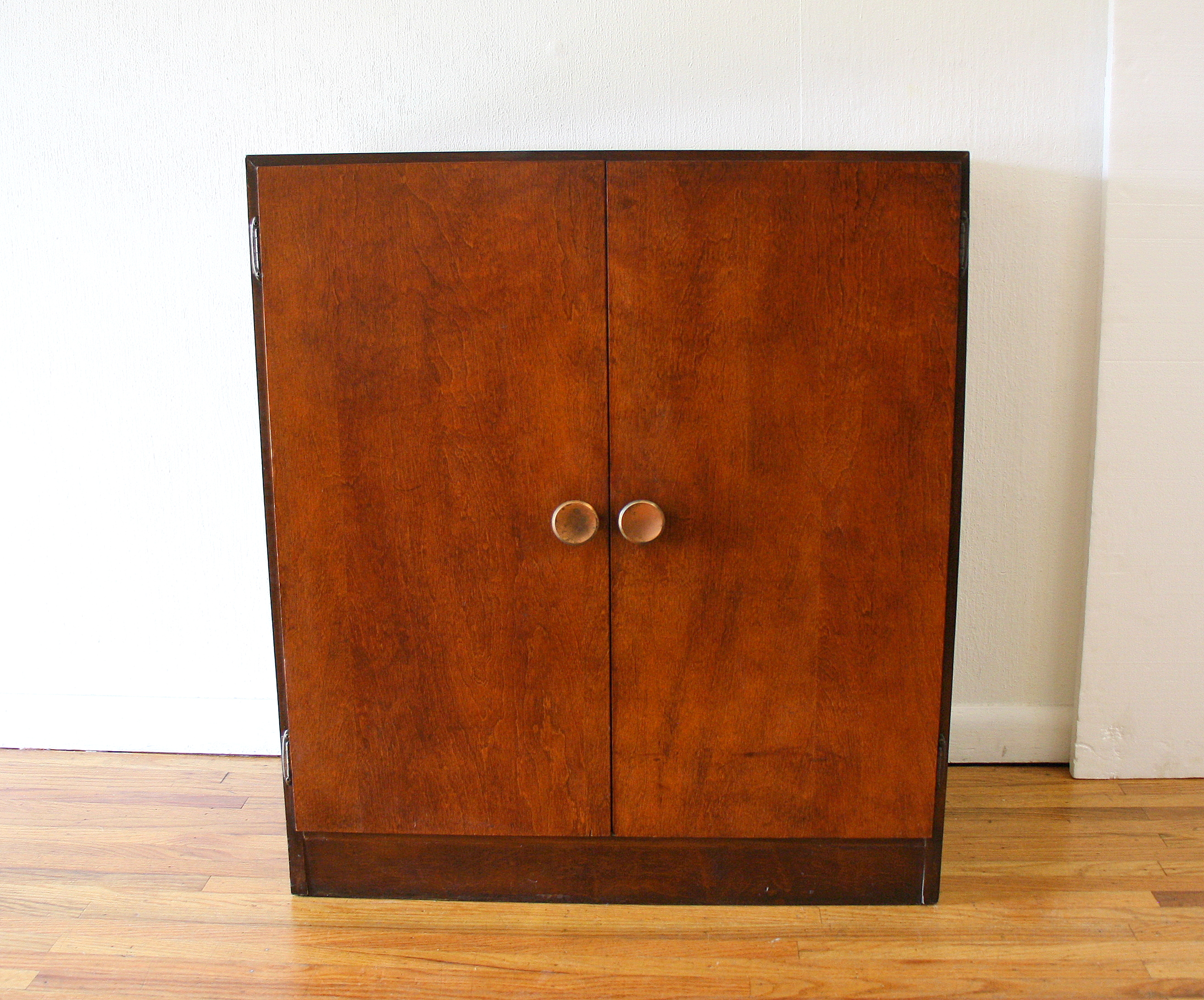 Mcm record cabinet with slat storage 1