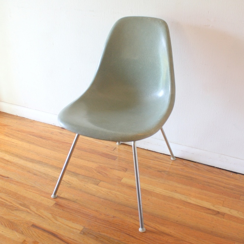 seafoam fiberglass chair 1