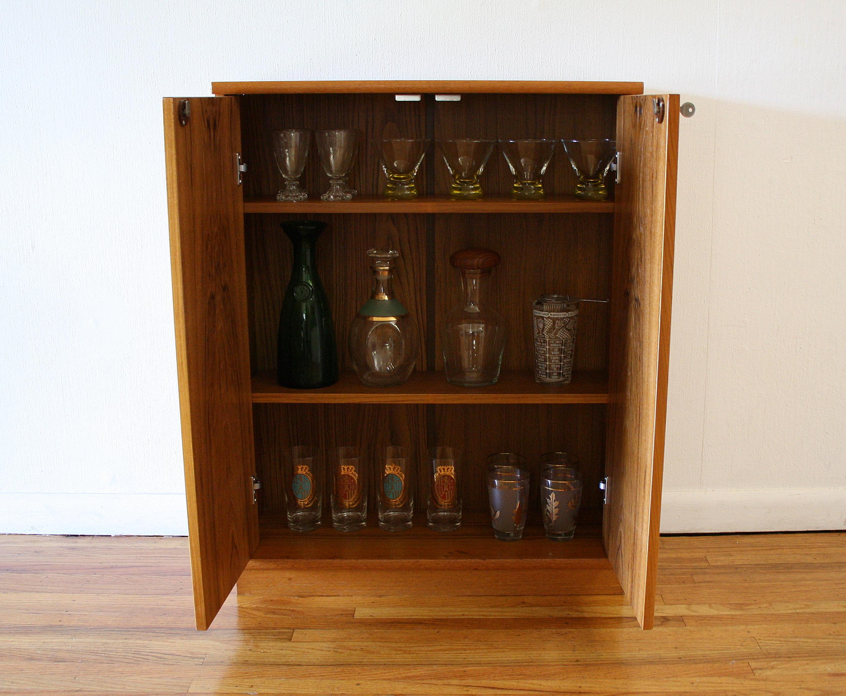 Teak mini cabinet 3