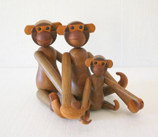 Family of monkeys 1