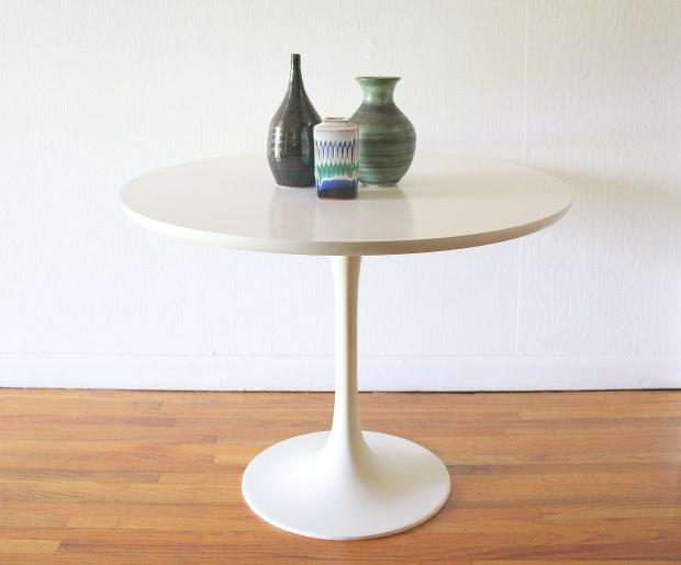 Saarinen style table 1